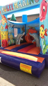 17Marino Aquarium Bounce House moonwalk front