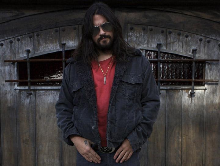 A photograph of musician Shooter Jennings