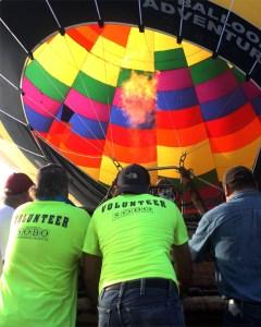 A photo of a hot air balloon