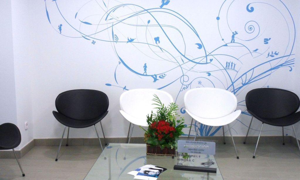 diseño de locales comerciales y vinilos. clinica dental oral mederi