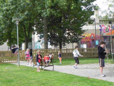 Jugando En El Parque01