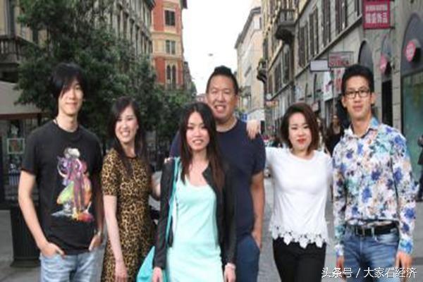 中国山区穷县一半人移民欧洲 富人多多
