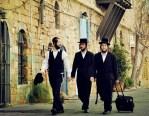 犹太人复国时,英美为其提供了三个地方,为何他们偏要选中东地区