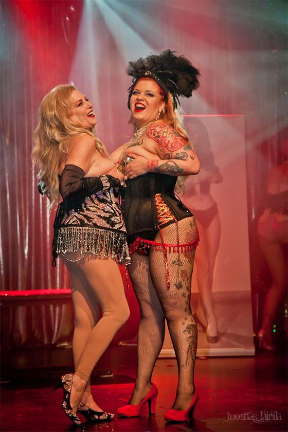 Bettie Blackheart with burlesque legend Satan's Angel at the 2012 Helsinki Burlesque Festival. ©Tuomas Lairila