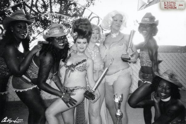 Best Troupe winners Harlem Shake Burlesque, 1st Runner Up Penny Starr Jr., Miss Exotic World 2004 Dirty Martini, and 2nd Runner Up World Famous *BOB* at the 2004 Miss Exotic World Pageant. ©Chris Beyond Photography