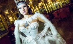 Review: Palace of the Snow Queen (Black Cat Cabaret)