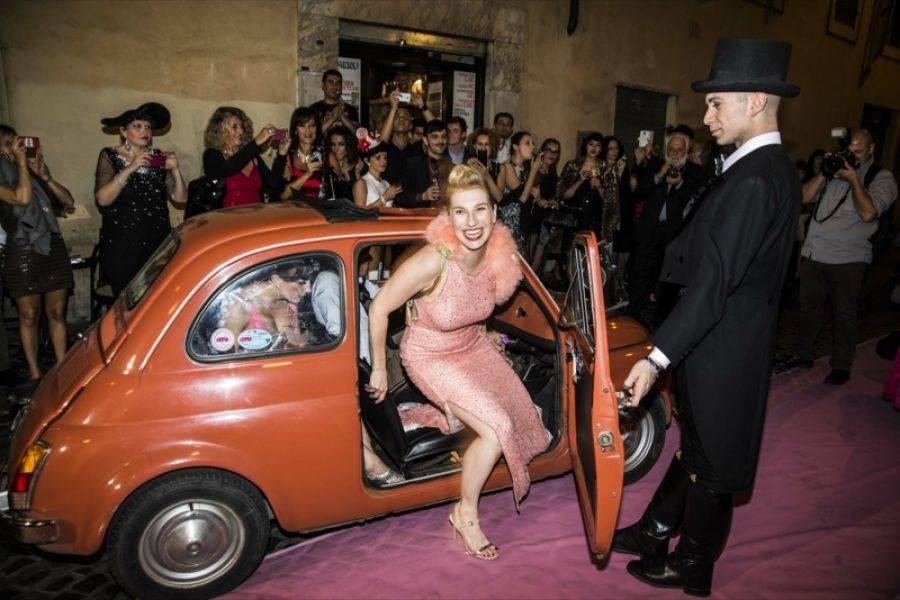 Grace Gotham arriving at Teatro Centrale at the 2nd Annual Caput Mundi International Burlesque Award in Rome, 2014.  ©Alberto Guerri