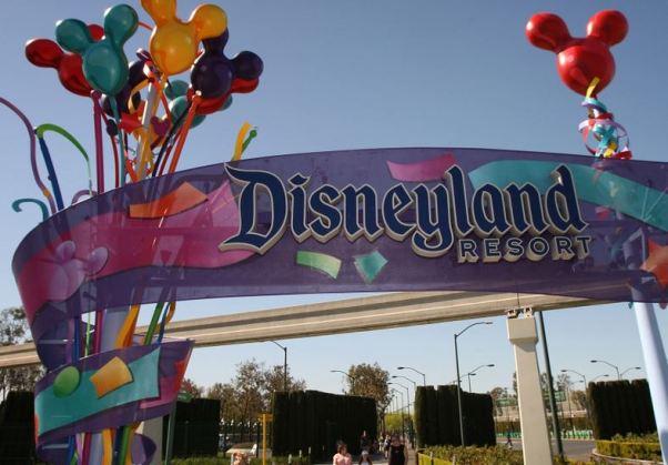 1-Measles-Disneyland