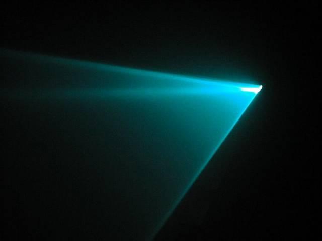 Vědci z univerzity v Lyonu nedávno dokázali, že za určitých podmínek mohou laserové paprsky procházet jinak neproniknutelnými prostředími, jako jsou mraky či mlha.