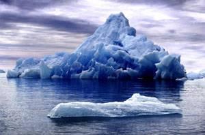 Odborníci z celého světa už několikátý den netrpělivě očekávají kolizi dvou obřích ledovců poblíž Antarktidy.