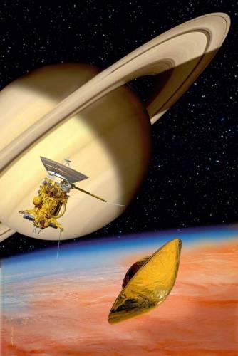 V červenci loňského roku dostala planeta Saturn první umělou družici – plný název projektu je však Cassini/Huygens. Samostatnou částí sondy je totiž atmosférické pouzdro. Úkolem pouzdra bylo sestoupit 14. ledna, tedy před několika dny, k Titanu, provést sérii měření v atmosféře a nakonec přistát na povrchu. Právě v těchto dnech už bychom měli znát výsledky experimentu i to, zda skončil úspěchem.