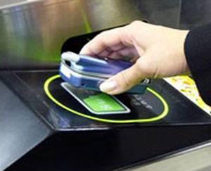 O Japoncích se po celém světě traduje, že jsou nadšenými uživateli mobilních telefonů a že nepohrdnou žádnou technickou novinkou. Výrobci elektroniky jim proto opět v těchto dnech vyšli vstříc.