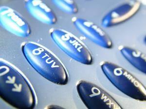 Nedávno publikovaná studie trhu s mobilními telefony přinesla překvapivé výsledky. Jejich celosvětový prodej závratně stoupá.