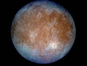 Dalším společným projektem evropských a amerických astronomů by se měl v budoucnosti stát Jupiterův měsíc Europa. Oznámili to nyní představitelé NASA a Evropské vesmírné agentury.