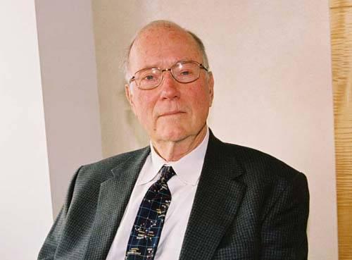 Američan Charles Townes, laureát Nobelovy ceny za fyziku, nyní obdržel další významné vědecké ocenění. Templeton Prize získal především za své celoživotní vědecké úsilí.