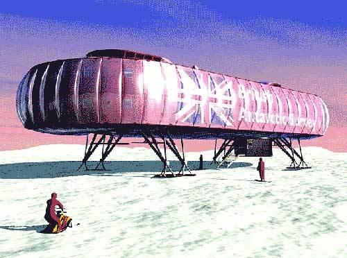 Britská základna na Antarktidě pomalu dosluhuje. Vědci se proto nyní rozhodli hledat za ni vhodnou náhradu, která by odolala drsným klimatickým podmínkám.