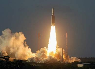 ESA včera ze svého kosmodromu ve Francouzské Guyaně úspěšně vyslala na oběžnou dráhu nejtěžší komerční komunikační satelit všech dob.