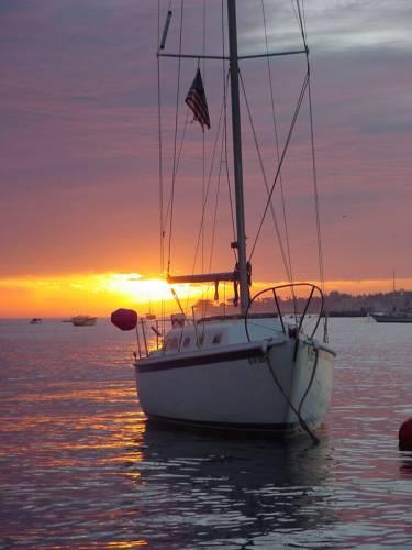 Právě o prázdninách a dovolených máme asi nejvíce příležitostí plavit se na různých lodích, člunech a škunerech či se na ně alespoň někde ze břehu dívat. S 21. STOLETÍM můžete různorodý svět plavidel poznat blíže.