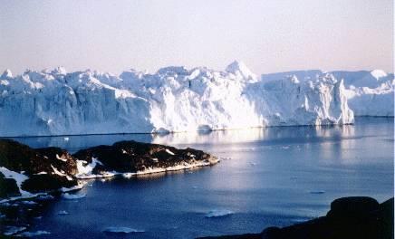 Ze satelitních snímků je jasně patrné, že pro grónské ledy je Atlantik stále větším lákadlem.