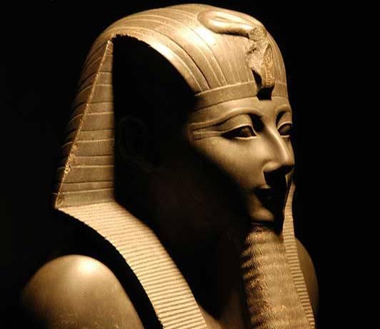 Káhirské tržiště stálo na největším slunečním chrámu starobylé Heliopole.