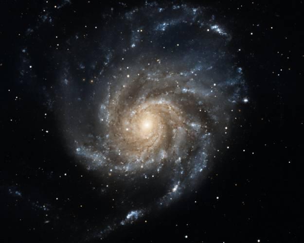 Hubbleův teleskop se ve svém důchodcovském věku ještě umí vyznamenat. Dokázal pořídit dosud nejostřejší snímek cizí galaxie, jaký byl kdy vytvořen.