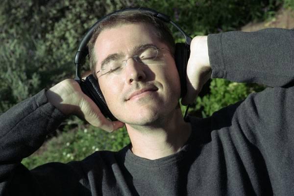 Ač se může zdát, že na Hi-Fi už není co zlepšovat, opak je pravdou. Jednou z možností je nejnovější technologie, která umožní vašemu přehrávači, aby si přečetl informace o vašem sluchovém ústrojí a přizpůsobil se k mu.