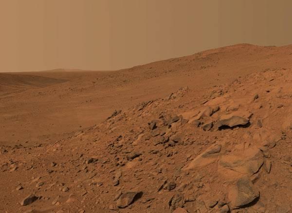 Pokud někdy byl na Marsu život, mohlo to být jedině v prvních 600 milionech let jeho existence. Alespoň jsou o tom přesvědčeni vědci z University Rhode Island.