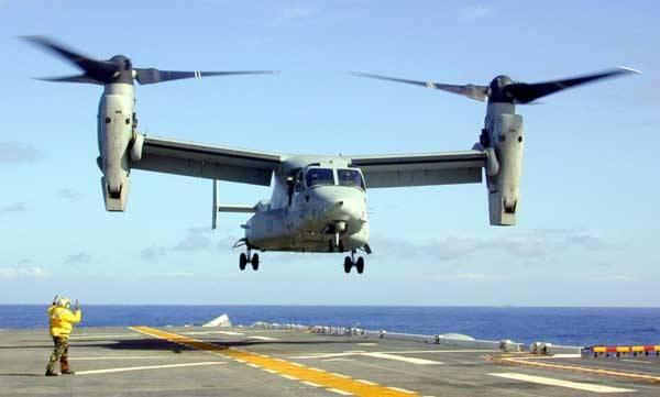 Vzdušný koráb, který startuje jako vrtulník a poté letí stylem klasického letadla? Proč ne? Americká armáda již více než 15 let něco podobného testuje. Po dlouhém experimentování, provázeném i několika tragédiemi, se pozoruhodné letadlo dostane do běžné výbavy armády Spojených států.