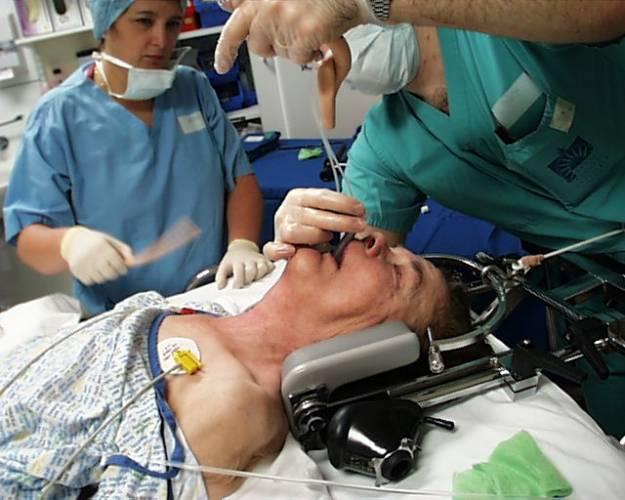 16. října 1846 provedl americký zubař Willam Morton historicky první operaci, při které byl pacient uspán.