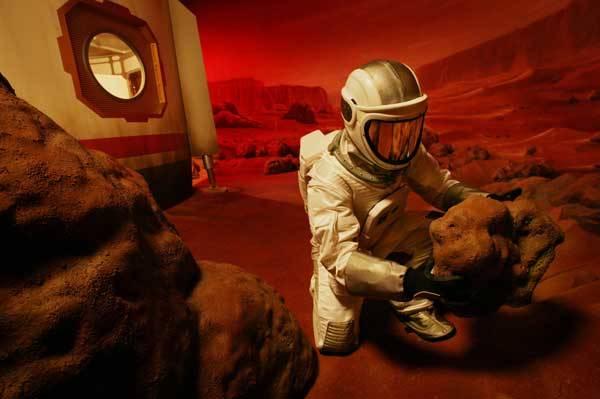 """""""Tady základna číslo jedna na Marsu. Právě jsme přistáli"""". Ozve se podobné hlášení jednoho dne v červenci  2033? Nebo se ho nedočkáme nikdy?"""