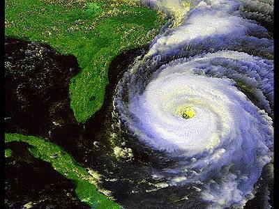 Nová klimatologická studie ukazuje, že oteplení nemusí ničivým hurikánům vůbec nahrávat.