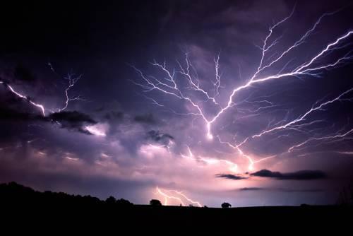 Z našich mobilních telefonů se mohou snadno stát užiteční meteorologičtí pomocníci.