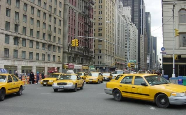 Podle newyorského starosty Michaela Bloomberga by do pěti let měly mít veškeré místní vozy taxi hybridní pohon.