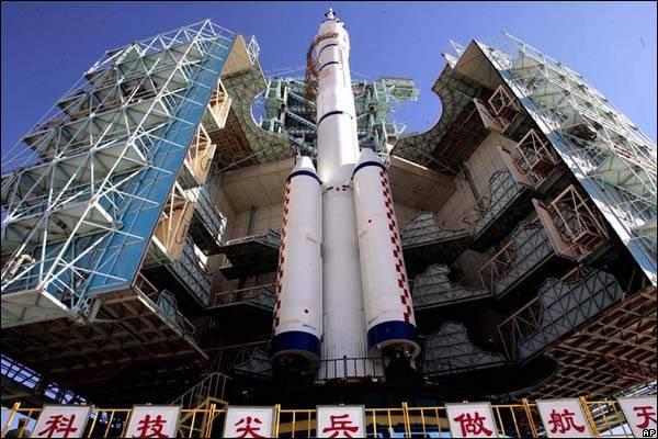 Čínští technologové vyvíjejí nové rakety s trojnásobně větší nosností.