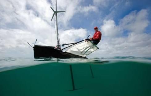 Kde je budoucnost dopravy? Ve vzduchu? Na kolejích? Ve vodě? Zřejmě od všeho trochu. Každý druh dopravy ovšem čekají zásadní skoky ve vývoji. Pojďme se nyní podívat na podobu některých lodí, jež se v blízké i vzdálenější budoucnosti budou prohánět po jezerech, řekách i mořích.