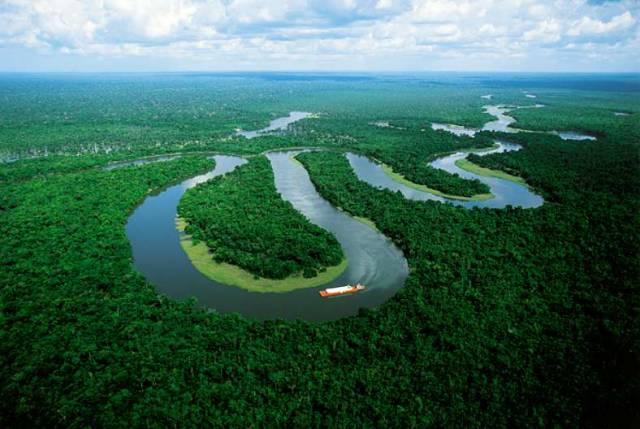 Stejně jako v přírodě vznikají a zanikají různé druhy organizmů, vznikají a zanikají i celé kontinenty, pohoří i oceány. Nejinak je tomu i s řekami. Podle nejnovějších bádání vznikl jihoamerický veletok Amazonka před 11 milióny let.
