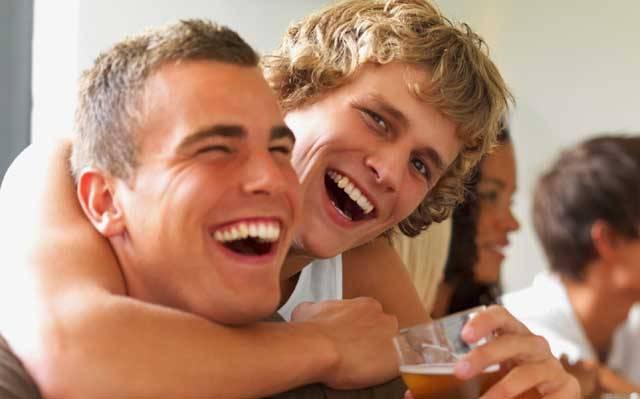 Dokážete si představit, že každý večer dostanete sklenici kvalitního piva (5,2 %) a vaším úkolem je ho pouze pít – celých šedesát dnů? To zažilo nedávno devět studentů a deset studentek českých vysokých škol, zařazených ve studentských programech bakalářských, magisterských a doktorandských.