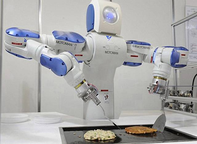 Japonští roboti už umějí leccos. Uklízejí, hrají na hudební nástroje, v minulém čísle jsme vás informovali i o robotovi, který je učitelem. Nedávno zbystřili svou pozornost japonští kuchaři.
