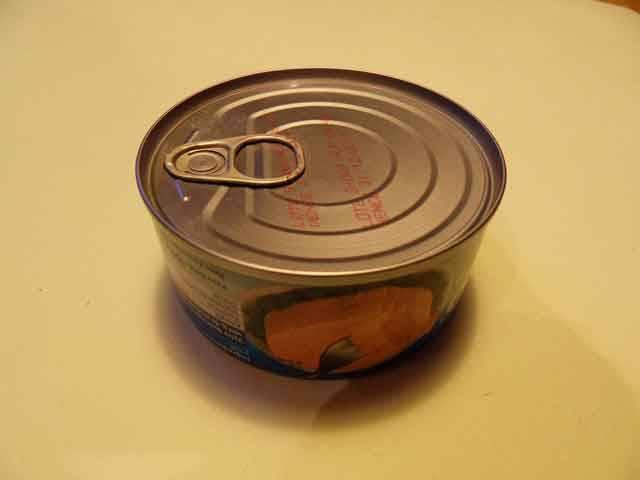 Po staletí lidé svoji potravu ochucují, přibarvují či konzervují – solí, octem, kouřem, kořením… Některé přídatné látky (aditiva) účinně likvidují nežádoucí bakterie, jiné pokrmům dodávají lepší chuť. Se stále větším užíváním chemie však mohou některé přísady ohrožovat zdraví.
