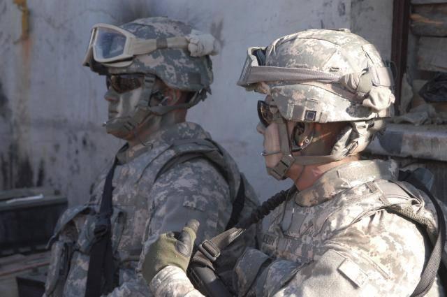 Jaká část těla je pro vojáka nejdůležitější? Většina by asi odpověděla, že jsou to silné paže či nohy. Ve skutečnosti je to však i v případě vojáků mozek. Americká agentura DARPA proto vyvíjí speciální zařízení založené na ultrazvuku, které by v mozky vojáků zbavovalo únavy či napomáhalo hojení úrazů hlavy.