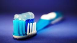 Vědecká studie odhalila: Látka v některých mýdlech a zubních pastách škodí zdraví
