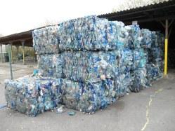 Akce Ukliďme Česko pomůže i s analýzou nakládání s PET lahvemi jako s odpadem