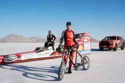 Rekordní jízdu na kole drží žena