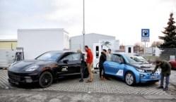 BMW zkouší rychlonabíječku s výkonem 450 kW