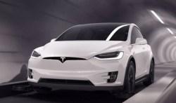 Elon Musk otevřel první testovací tunel pod Los Angeles