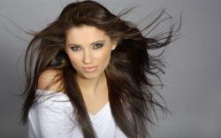 Americká studie: Některé kosmetické přípravky způsobují u dívek předčasný nástup puberty