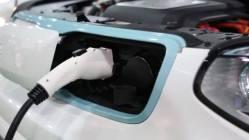 Elektromobily už jen svýstražnými zvuky