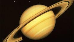 Objevena dvacítka dosud neznámých měsíců Saturnu