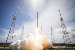 COVID-19 zarazil plánovaný start rakety SpaceX