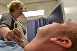 Těhotným zkontrolují štítnou žlázu